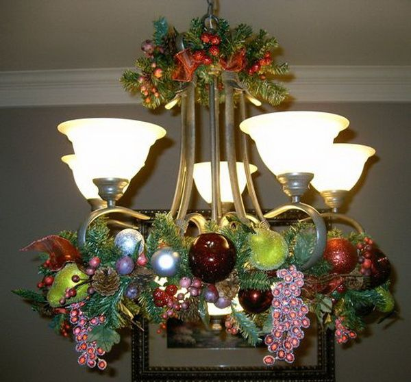 25+ Best Ideas About Christmas Chandelier On Pinterest