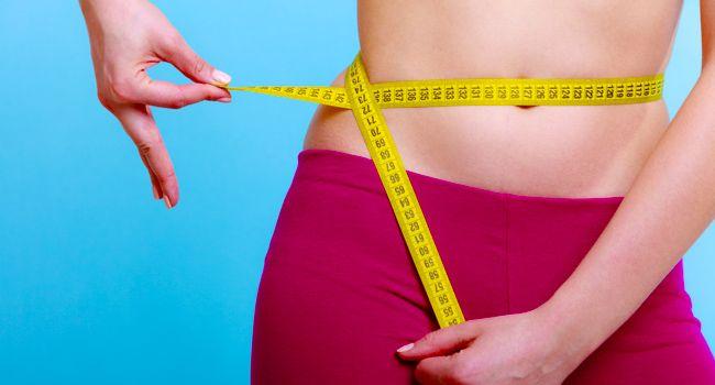 11 coisas que atrapalham perder gordura abdominal. Eliminar gordura abdominal não é uma questão meramente estética. O excesso de gordura, particularmente de gordura visceral, que fica em volta dos órgãos e inflam o abdômen, é um fator de risco para doença cardiovascular, diabetes tipo 2, resistência à insulina e câncer.