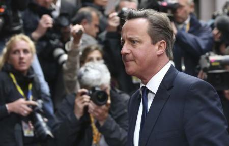 英国のキャメロン首相。写真は27日撮影(2014年 ロイター/Francois Lenoir) ▼2Jun2014Reuters|ユンケル氏が欧州委員長就任なら、EU残留保証できない=英首相 http://jp.reuters.com/article/newsOne/idJPKBN0ED02J20140602 #David_Cameron