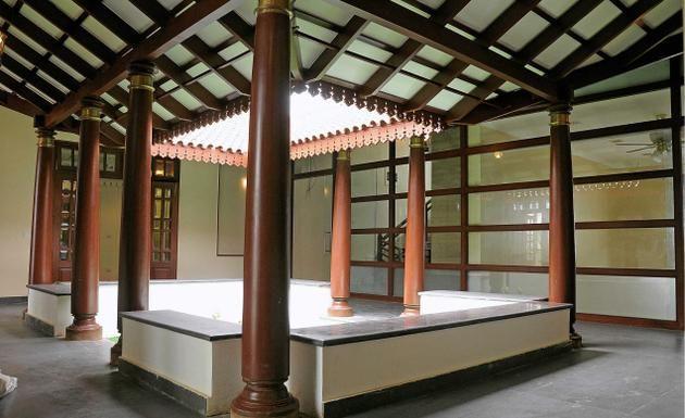 Awe Inspiring Traditionally Modern The Open Space Inside A House Is Still A Inspirational Interior Design Netriciaus