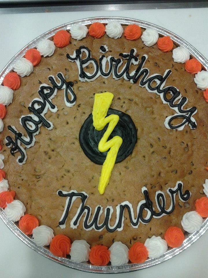 Thunder and Lightning Birthday Cookie Cake! #nestle #nestletollhousecafe #nestletollhouse #cookie #cake #cookiecake #yum
