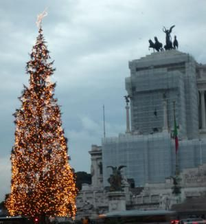 When in Rome in December, Check Out These Great Events: Christmas Tree in Piazza Venezia