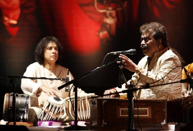 Tabla maestro Zakir Hussain and singer Hariharan will perform at George Washington University in Washington, US, on September 4, a media report said. The two renowned musicians will perform several shows during their Hazir USA Tour 2015. Tour includes the Lisner Auditorium, Washington, (September 4), Detroit (September 11) and Dallas (September 13), The American Bazaar reported on Tuesday. Hussain was...  Read More