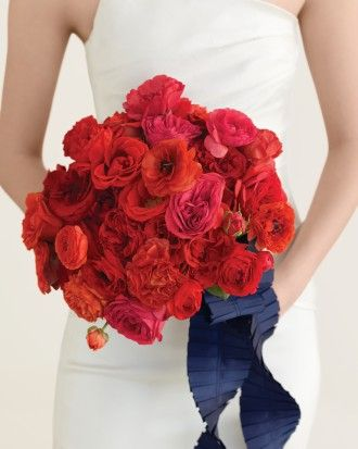 Romantic Red Wedding Bouquets - Full Effect