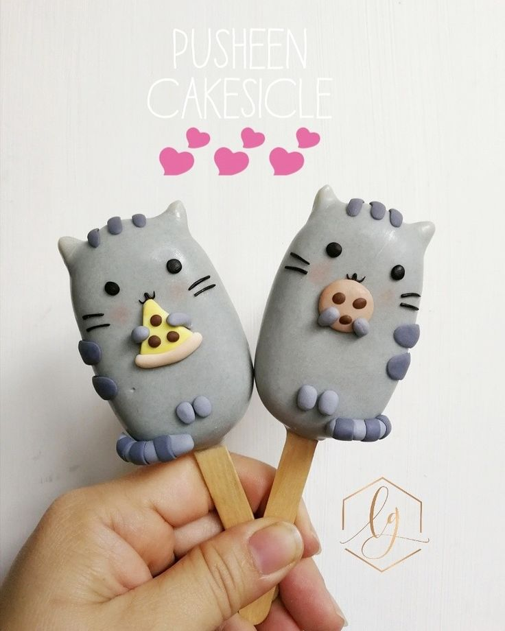 Love these cute little Pusheen cakesicle / cake pops