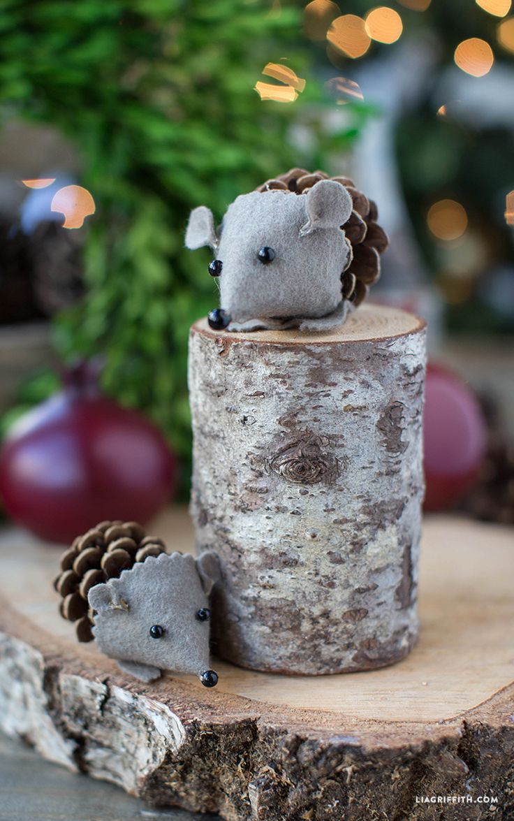 DIY Felt Pinecone Hedgehog Craft. In a world where pinecones are MUCH more easily come by, I would be all over these.