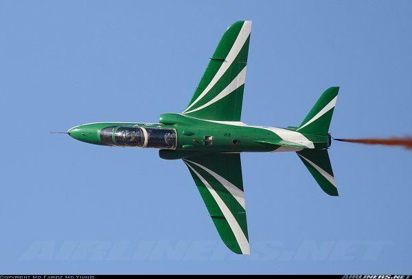 Saudi Hawks Aerobatic Team - BAE Hawk 65A - Saudi Arab Air Force _ Rubens Custodio (@CustodioRubens) | Twitter