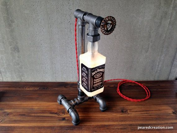 Bourbon fles Lamp  industriële Lamp  Man Cave door newwineoldbottles