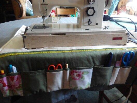 Base de maquina costura e organizador