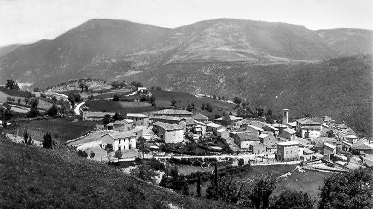Le vicende storiche dell`Eremo della Madonna della Stella risalgono al secolo VIII quando, alla confluenza di Valle Noce e Valle Marta, lungo gli antichi itinerari che, provenienti da Leonessa e Cascia, confluivano verso il Castaldato Pontano e quindi verso Spoleto, sorse il Monasterium S. Benedicti in Faucibus o in Vallibus, soggetto all`Abbazia di S. Pietro di Ferentillo fatta edificare nel 720 dal duca Faroaldo.