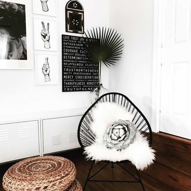 Make your Innit Chair your own by accessorizing it with your style! This gorgeous pairing makes our Acapulco chair really feel like yours!