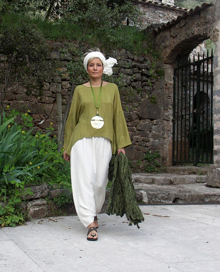 Top unstructured made of raw silk lime green color and harem pants -:- AMALTHEE -:- n° 3213