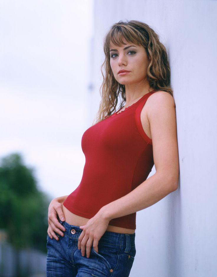 The CW Upfront 2006-2007 - Erica Durance Photo (5587371