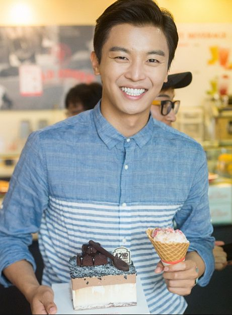 tvN Marriage, Not Dating - Yeon Woo Jin celebrates his birthday while filming the fake date scene at an ice cream parlor.