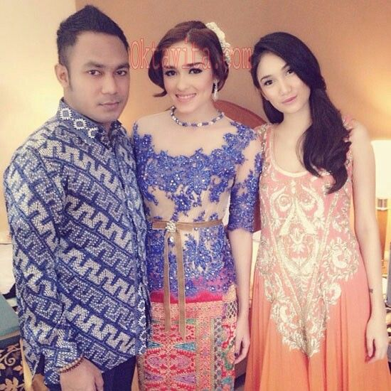 Yasmine Wildblood #batik #kebaya
