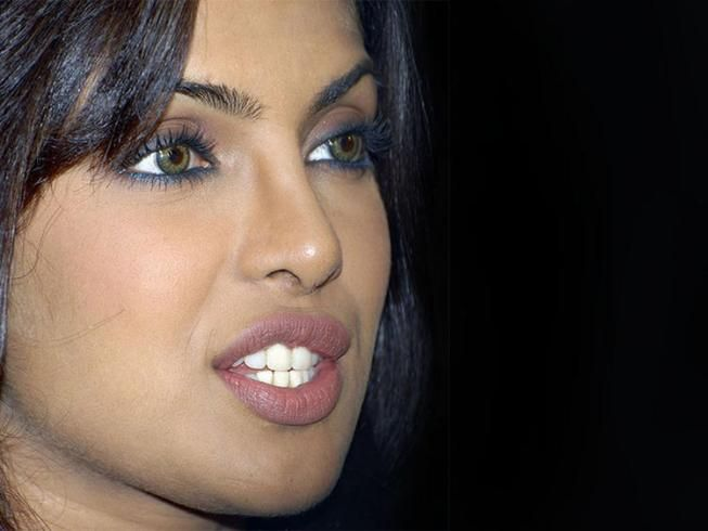 #Bollywood #Actresses With #Not #So #Great #Lip #Jobs #priyanka