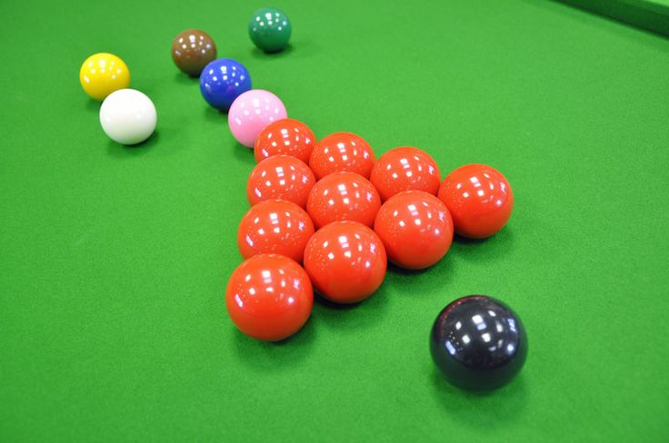 snooker balls, very iconic imagery