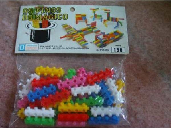Lig-Lig - anos 80 Quem se lembra desse brinquedo chamado Lig-Lig,  pininhos de plástico cheios de pontinhas e furinhos que você ia montando.