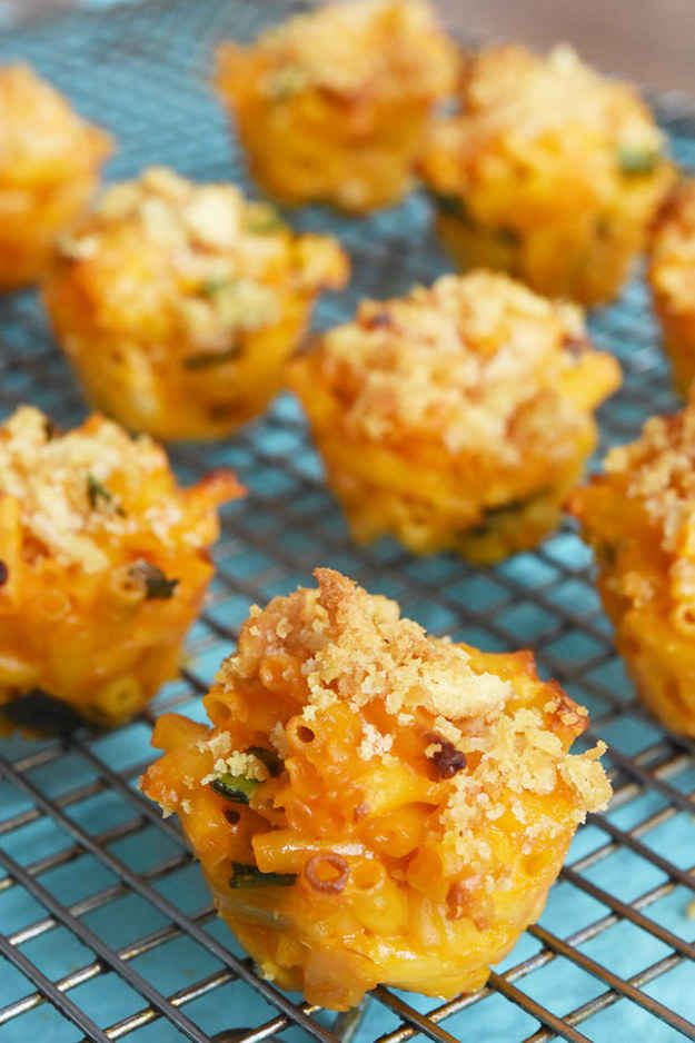 How To Make Easy Sriracha Macaroni And Cheese Cups...would be perfect for a superbowl party