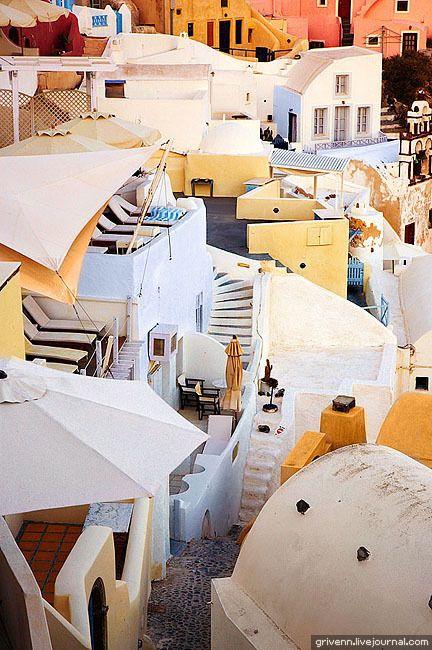 Caldera settlement, Oia, Santorini #Greece