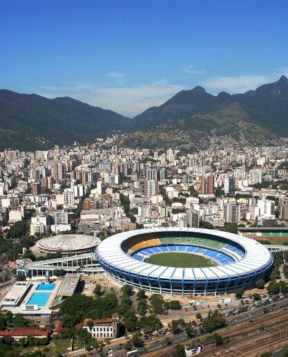 Stade de Maracana, le stade qui accueillera la coupe du monde de foot 2014 ♡