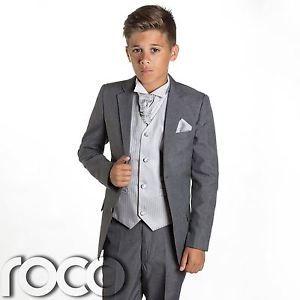 le costume de les garçons d'honneurs