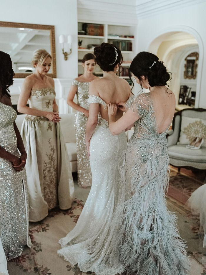 Nostalgic Vintage Inspired Ottawa Wedding At The Chateau Laurier Junebug Weddings In 2020 Wedding Dresses Ball Gowns Wedding Halter Wedding Dress