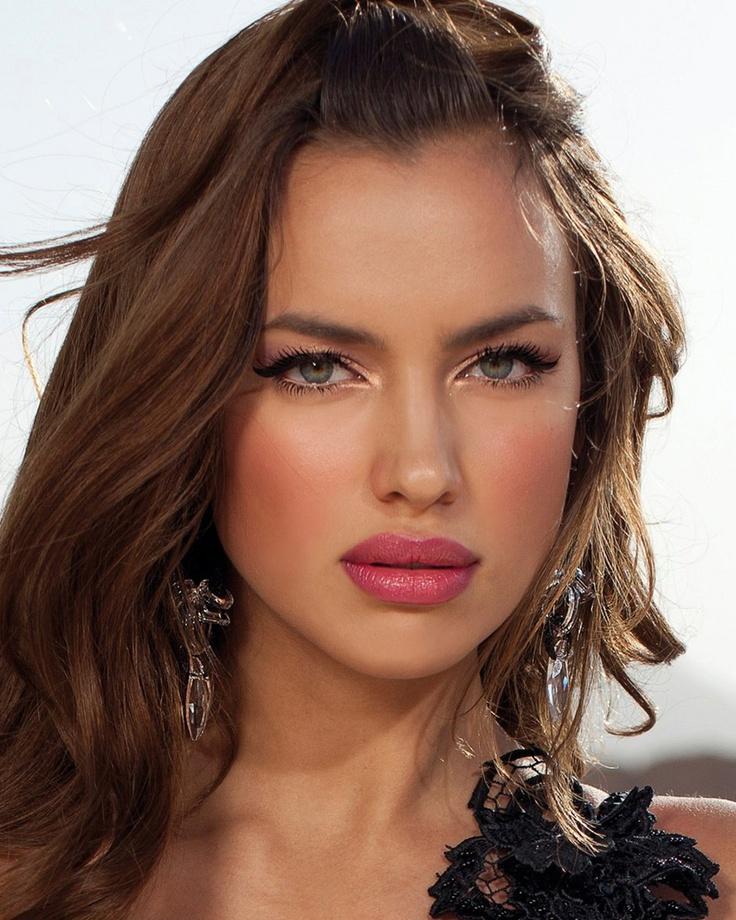 : Models, Irina Shayk Makeup, Make Up, Beautiful Woman, Beauty, Beautiful Faces, Irinashayk, Hair, Beautiful Girls
