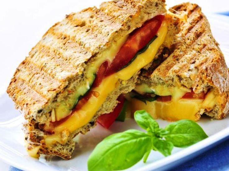 Resep Sandwich Salmon Praktis Untuk Sarapan  http://www.sambarafood.com/2015/11/resep-sandwich-salmon-praktis-untuk-sarapan.html