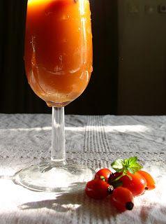 Csipkeital - és más vadgyümölcsös italok