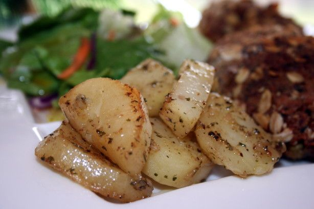 Robyn's Crock Pot Herb Roasted Potatoes