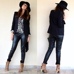 Black Black Heart on thevirgostyle.blogspot.gr #thevirgostyle #blog #greece #greek #blogger #love #like #ootd #style #fashion #outfit #lookbook #leather #floppy #hat