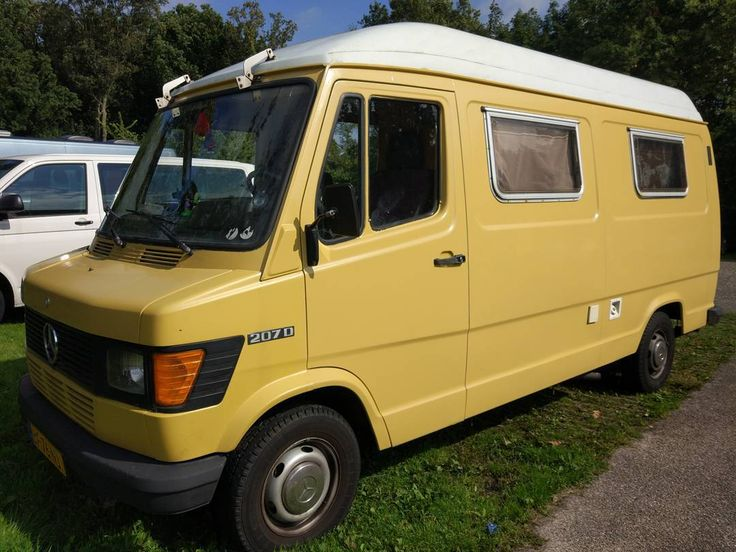 Meet Sandy she's almost ready for our big promo tour in about a month we'll leave to travel along the European coasts.  When you see us come say hi! We're always down for meeting new people   #europetour #vanlife