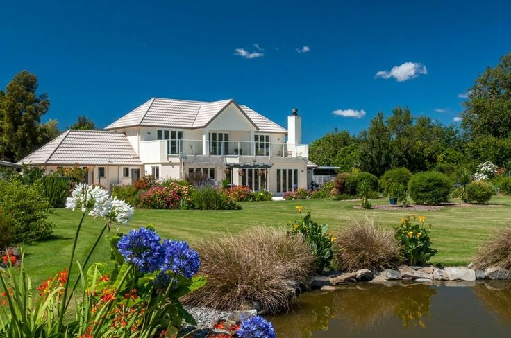 Where town meets country   Marlborough District   #NewZealand   Luxury Property Selection