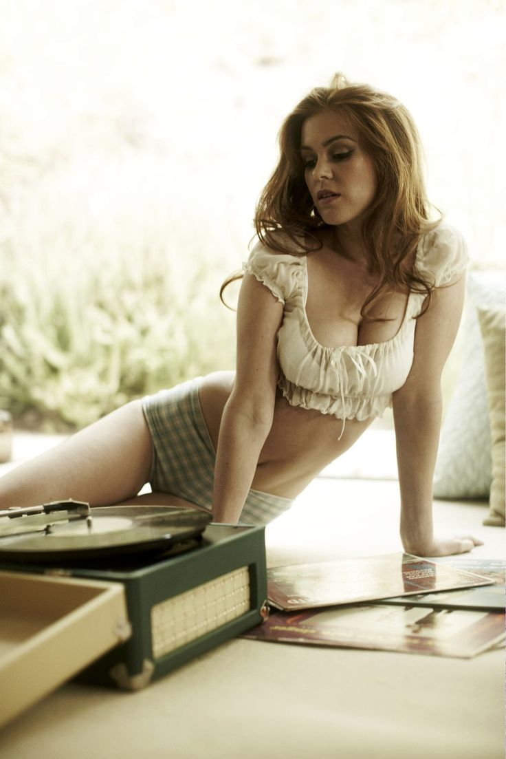 Isla FIsher and her record player, take 2