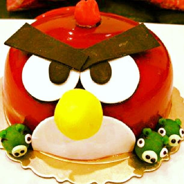 CHOCOLATE ANGRY BIRD CAKE