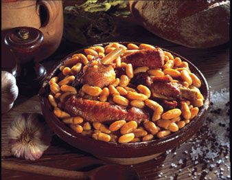 Cassoulet. Originating south of #France (Castelnaudary)  #french #stuff; I don't like that AT ALL :S