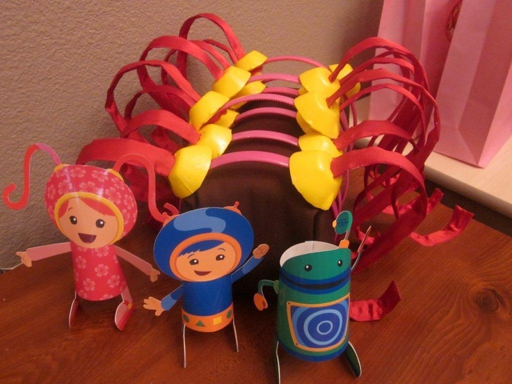 Team Umizoomi Party!  She has SO many pictures and explains how she did everything.  A GREAT link!
