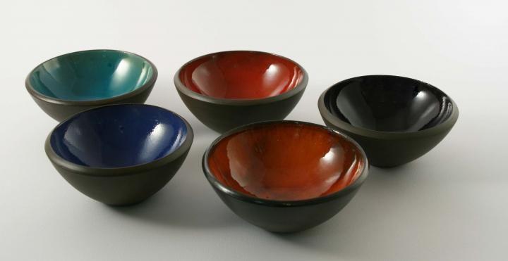 Ceramic bowls by Brigi Konda http://www.magma.hu/muveszek.php?id=106