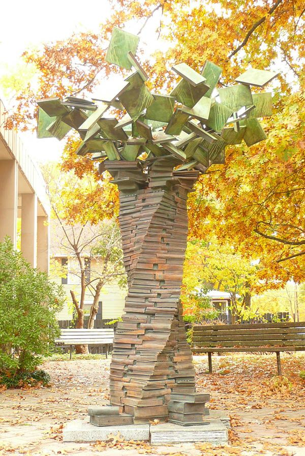 Sculpture USA - TREE OF KNOWLEDGE