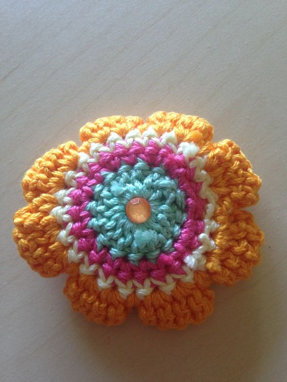 #Crochet Sun Flower hair clip