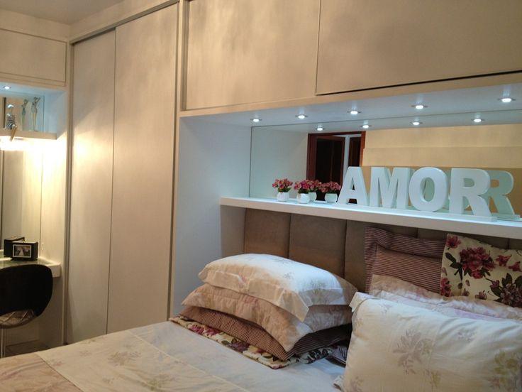 cabeceira, fundo de espelho, prateleira e modulo de armario