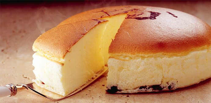 Freshly baked cheese cake