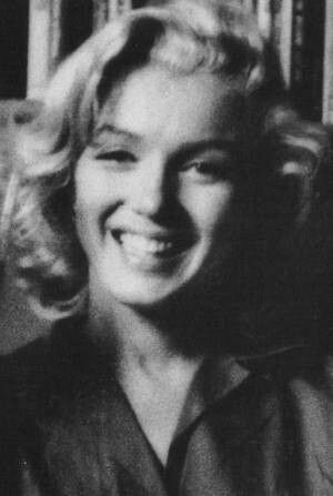 Milton Greene - Marilyn Monroe - 1953 - session at the house of Joseph Schenck, chairman of Fox