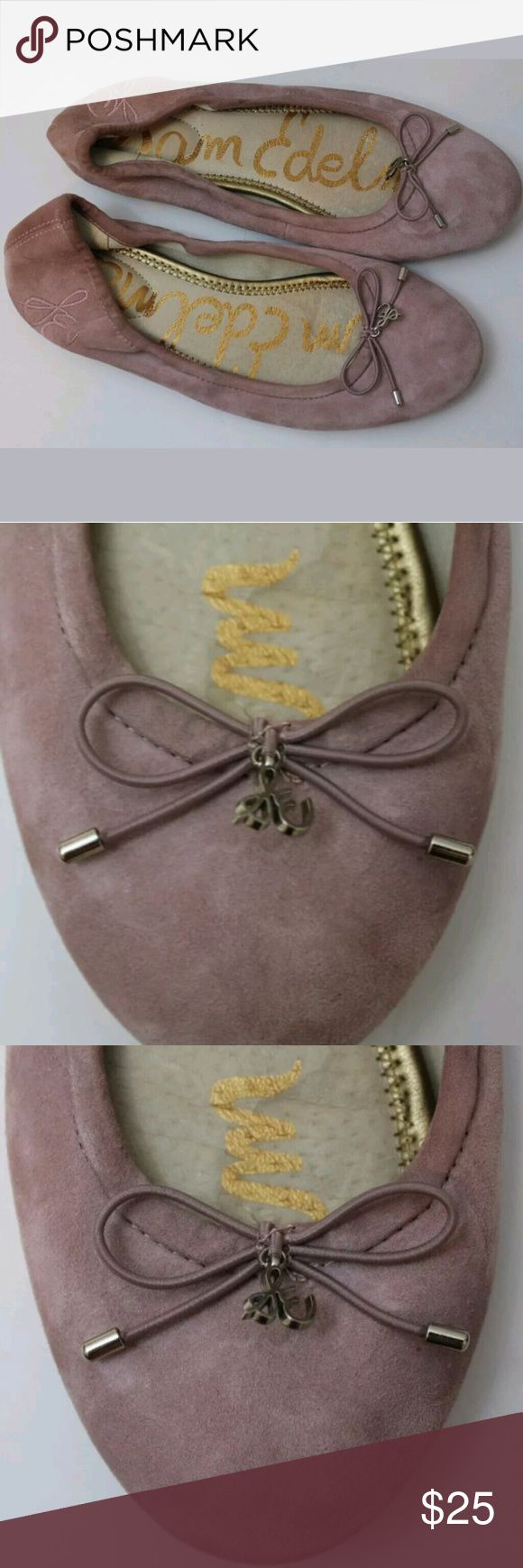 Sam Edelman Size 6 Medium Women's Pink Flats Sam Edelman Size 6 Medium Women's Pink Leather Felicia Ballet Flats. Good pre-owned condition showing some signs of wear. Comes from a smoke free home.   Product Information  Edelman Icon Padded Ballet Flat Special Details: Elastic Top Line, Padded Insole, Bow & Charm Closure: Slip-On Toe: Rounded Toe Materials: Leather, Brahma Hair, Suede, Jacquard or Sequin Insole: Padded Leather Sam Edelman Shoes Flats & Loafers