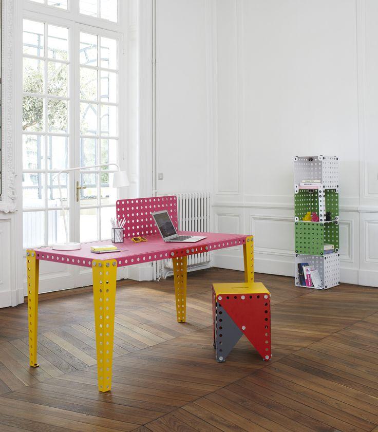 Scrivania-gialla-e-rosa-con-sedia-Meccano-Home