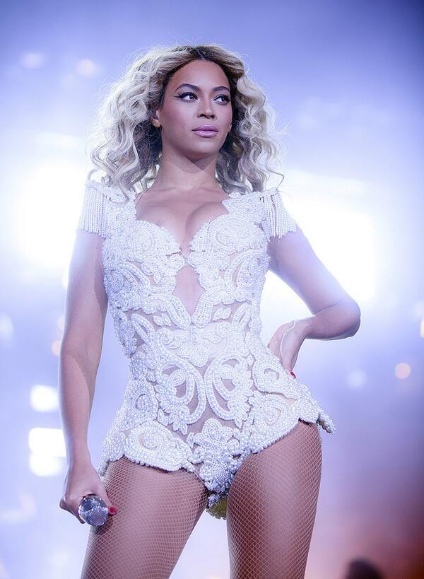 Beyonce - Mrs Carter 2014...  WHO GOT TICKETS? WE DID WE DID! aaaaaaaah!