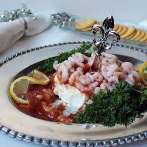 Mini Shrimp Cocktail on Ritz Crackers