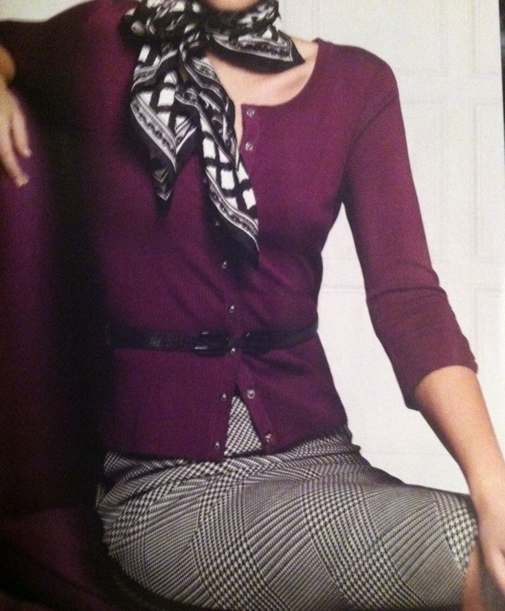 A very elegant outfit, complete with a scarf. I like the eggplant color and the way the scarf is tied.