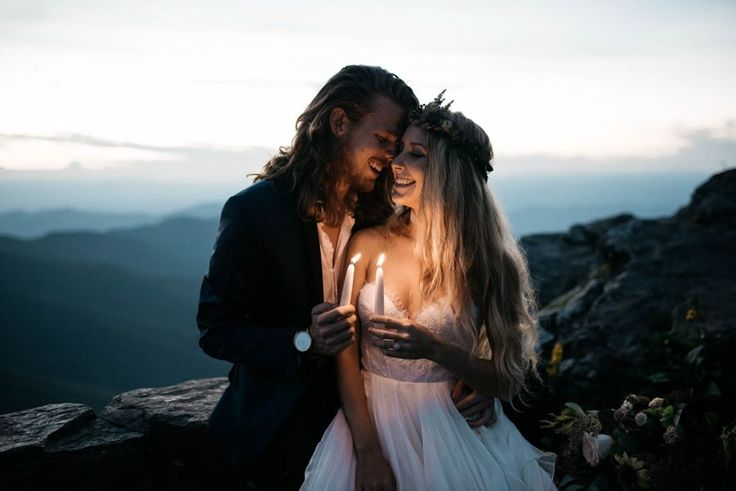 Sweet mountain wedding portrait | Image by Julia Madden Sears